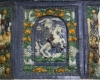 Blattkachel mit dem Kurfürsten zu Bayern zu Pferde vom Kachelofen mit Kurfürsten zu Pferd von Schloss Wildshut mehrfarbig glasiert, Ende 17. Jh., Linz, Oberösterreichisches Landesmuseum, urspr. Schloss Wildhut a. d. Salzach