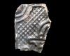 Fragment einer Blattkachel mit Tapetendekor mit Notenköpfen vor geroiffeltem Hintergrund, dunkelbraun glasiert, Anfang 17. Jh., Sinsheim, Stadt- und Freiheitsmuseum