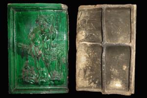 Fragment einer Blattkachel mit dem Monat Juni aus der Monatsserie ohne Arkade nach Amman (Typ 4), grün glasiert, Anfang 17. Jh., H. 53,2 cm, Br. 35,5 cm, Nürnberg, Germanisches Nationalmuseum