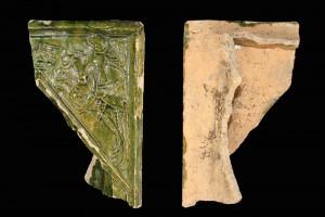 Fragment einer Nischenkachel mit Ritter beim Gestech, grün glasiert, nach 1400, H. 19,9 cm, Br. 12,2 cm, Speyer, Histroisches Museum der Pfalz, urspr. Speyer, Innenstadt