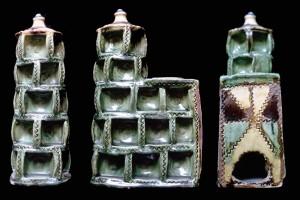Ofenmodell eine Napfkachelofens, grün glasiert, 17. Jh. (?), H. 20,0 cm, Br. 12,0 cm, T. 7,0 cm, Nürnberg, Germanisches Nationalmuseum