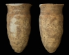 Fragment einer Spitzkachel, unglasiert, erstes Drittel 14. Jh., H. 24,4 cm, Mündungsdm. 10,8 cm Fulda, Vonderau Museum, urspr. Burg Wartenberg