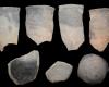 Fragment von Spitzkacheln, unglasiert, vor 1333, Partenstein, Burg Bartenstein, Brandschutt von 1333