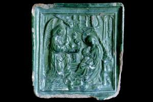 Blattkachel mit einer einteiligen Verkündigungsdarstellung nach Robert Campin, grün glasiert, Ende 15. Jahrhundert, H. 16,0 cm; Br. 15,5 cm, Geislingen an der Steige, Museum, urspr. Burg Helfenstein