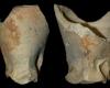 Fragment einer Becherkachel mit gekniffenem Fuß, unglasiert, Ende 12. Jahrhundert, H. 8.0 cm, Bodendm. 3,2 cm, Aschaffenburg, Museen der Stadt, urspr. Aschaffenburg, Theaterplatz