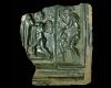 Fragment einer Blattkachel mit der Serie der Jahreszeiten nach Jacob Matham im Rahmen: Der Winter, dunkelbraun glasiert, Anfang 17. Jahrhundert, Alzey, Museum
