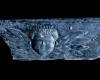 Fragment einer Blattkachel mit geflügeltem Puttenkopf, dunkelbraun glasiert, 17. Jh., H. 7,0 cm; Br. 18,0 cm, Rastatt, Archäologisches Landesmuseum Baden-Württemberg, Zentrales Fundarchiv, urspr. Eschelbronn, Wasserburg